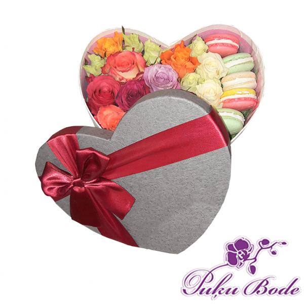 Ziedu kārbiņa Rožu mix ar cepupiem Macaron Cena 34.90eur piezīmēs rožu daudzums 21gb  Ziedu kārbiņās ir iespēja arī pēc Jūsu vēlmēm ko mainīt ,piem.,ziedu krāsu ,daudzumu u.t.t.,iepriekš sazinies.
